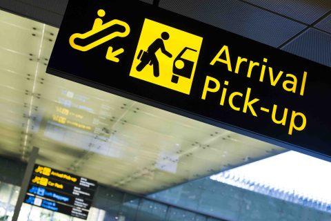 Skilt på flyplassen, ankomst og henting