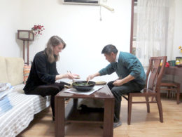 Middag hos vertsfamilien i Chengde